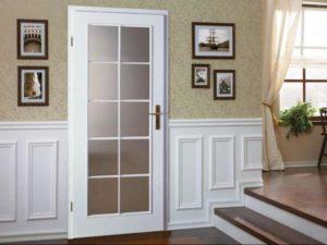 Двери классика со стеклом белые