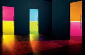цветное стекло в двери