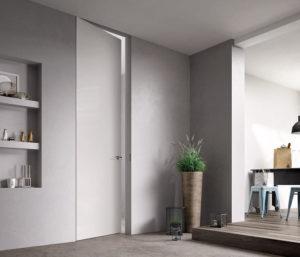 Высокие двери до потолка