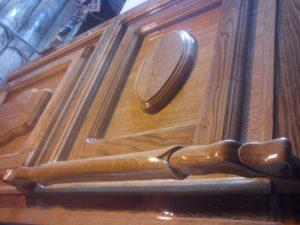 Двери из цельного массива дуба