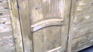 Филенчатая уличная дверь