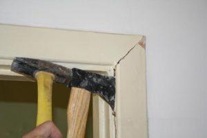 Инструкция по демонтажу межкомнатной дверной коробки