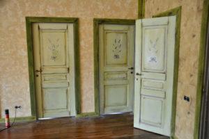 Как облагородить межкомнатные двери своими рукамиКак облагородить межкомнатные двери своими руками