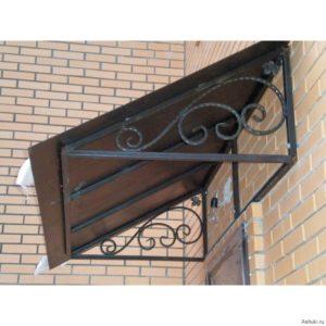 Как сделать металлический козырек над дверью своими руками
