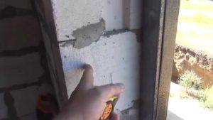 Как установить металлическую дверь в пеноблок