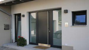 металлические двери в загородный дом