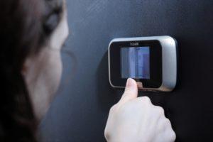 Особенности и функции звонка с камерой для квартиры