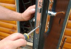 Ремонт врезного дверного замка для входных дверей