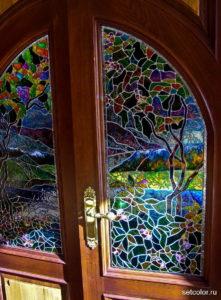 Декор стекла на двери