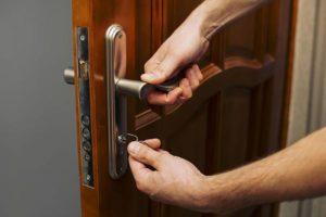 Стоит ли менять замок если потеряны ключи от квартиры