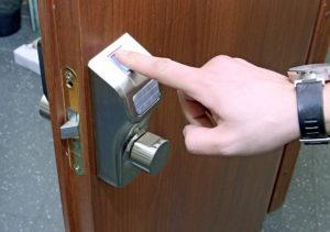 Установка кодовых замков на дверь