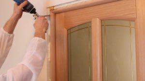 установки межкомнатных дверей
