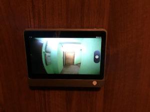 Видеозвонок на дверь в квартиру виды